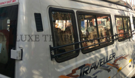 9 seater 2x1 tempo traveller hire in delhi